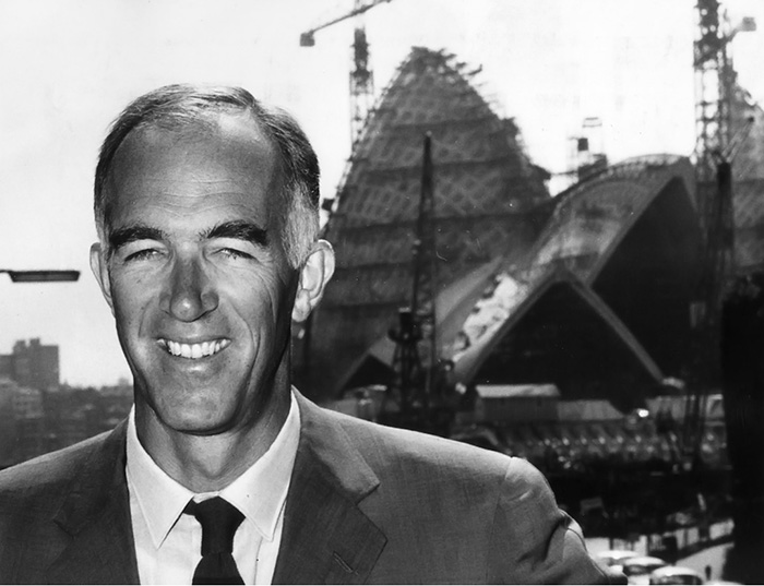 circa 1965: Danish architect Jorn Utzon in front of the Sydney Opera House during its construction. (Photo by Keystone/Getty Images)