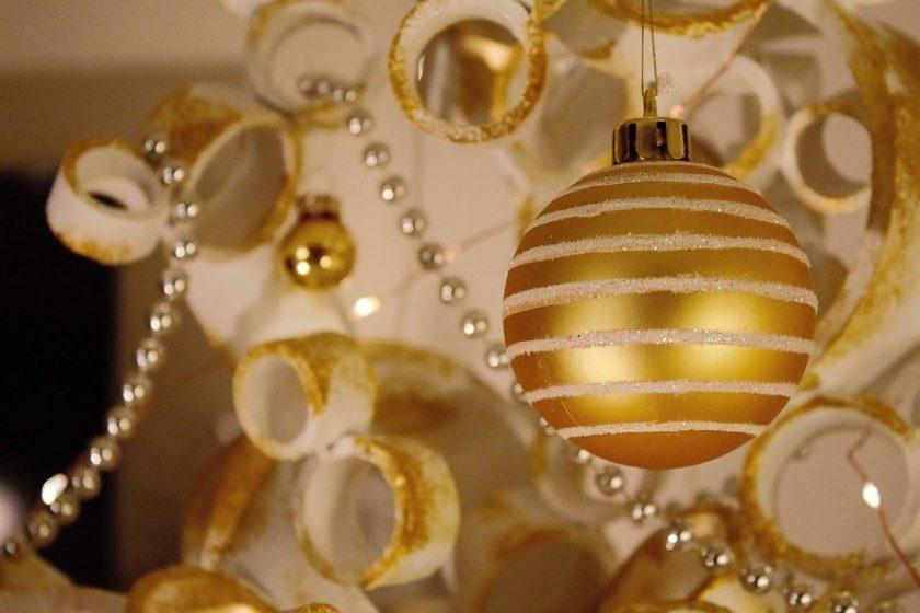 pvc-pipe-christmas-tree-04-840x560